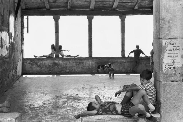 simiane-la-rotonde-1969-gigant